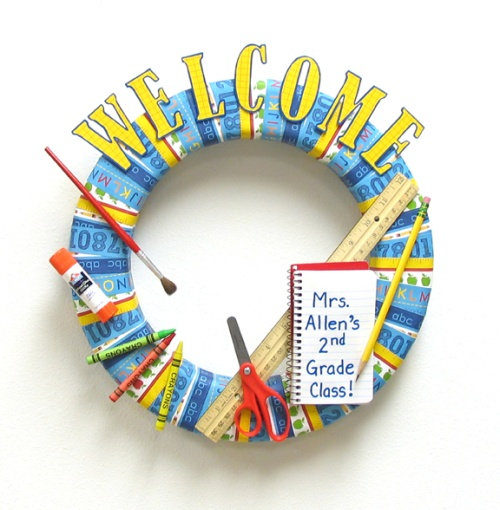 Welcome Back to School Wreath by Think Crafts