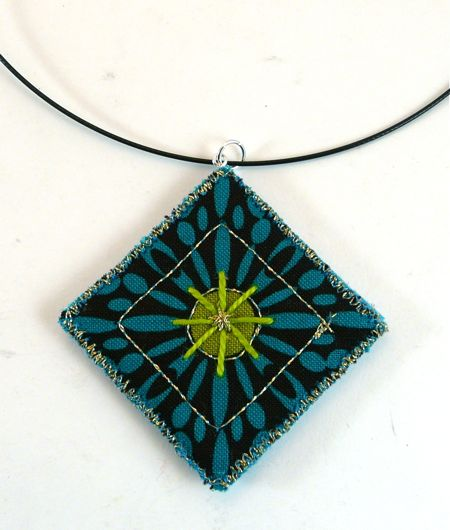 How to Make a Quilted Pendant - Dianne from CraftyPod