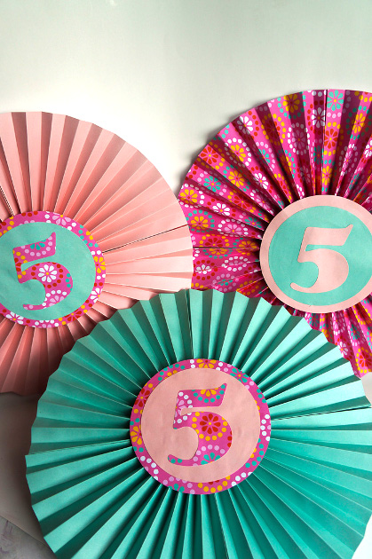 Paper fan birthday decor think crafts by createforless How to make your own ornaments ideas