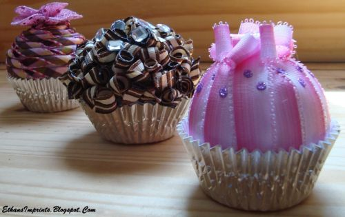 Marie from Ethan's Imprints shares her ribbon cupcakes