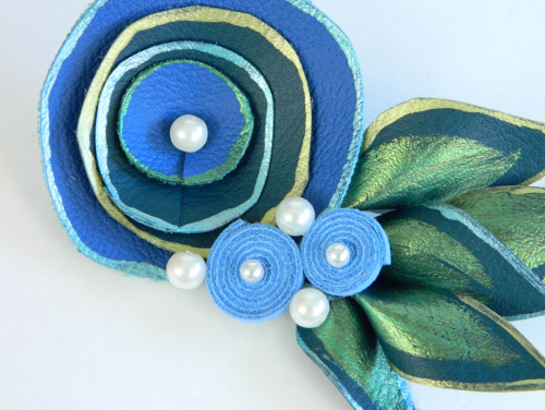 Create Mark Montano's Whirly Brooches from  his latest book at ThinkCrafts.com