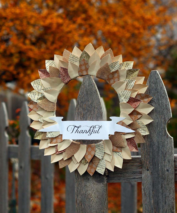 """Create a paper """"Thankful"""" wreath to add some rustic decor to your Thanksgiving."""